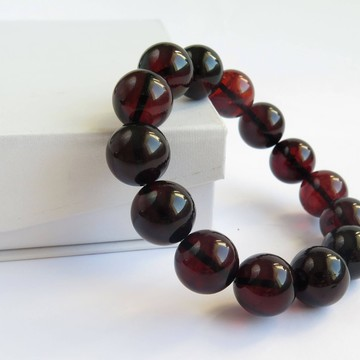 Red Cherry Baltic Amber Bracelet 28.85 grams