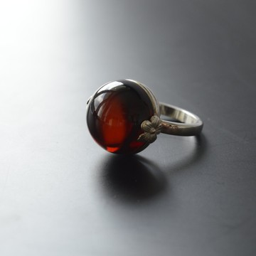 Red Cherry Baltic Amber Ring 5.70 grams
