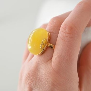 Butterscotch Baltic Amber Ring with Gold-plated 925 Silver Heart Motive Pattern, Natural Egg Yolk Amber, Engagement Gold Ring