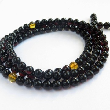 Amber Mala Buddhist Prayer, Red Cherry 108 Polished Beads 9.5mm 49 g