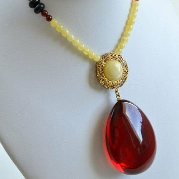Red Baltic Amber Pendant, Handmade Natural Red Amber Necklace, Amber Choker, 33 g