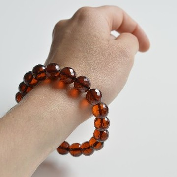 Faceted Cognac Color Genuine Baltic Amber Wristbracelet 11 mm 14 grams