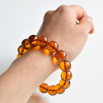 Faceted Cognac Color Genuine Baltic Amber Wristbracelet 14 mm 24 grams