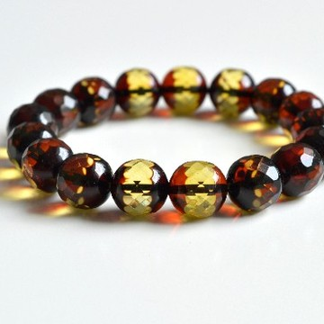 Faceted Green Color Genuine Baltic Amber Wristbracelet 11.5 mm 16 grams