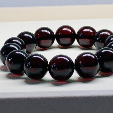Red Cherry Baltic Amber Bracelet 16mm