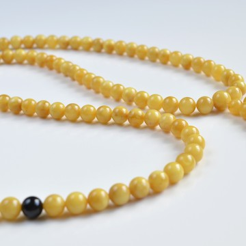 Mila Mala Rosary 8.5 mm 39 g Egg Yolk Butterscotch Buddhist Prayer Beads Baltic Amber