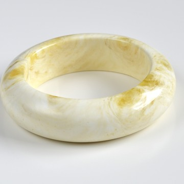 العنبر الأبيض سوارصنع يدوي47.5جرام